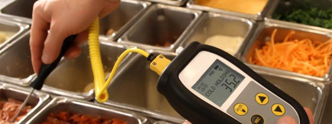 Роспотребнадзор высказался против смягчения норм приготовления пищи для рестораторов