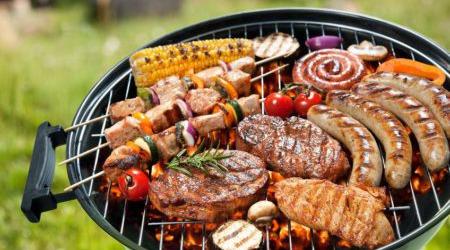 Уже не секрет, что мясо может подорожать к началу шашлычного сезона из-за отсутствия переходящих запасов продукции
