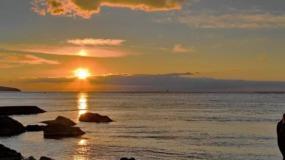 Желаю море счастья и океан любви, но в этом океане смотри не утони